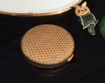 Vintage Compact // Elizabeth Arden // Made in Switzerland // Invisible Veil // Gold Basketweave with mirror