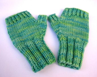 Fingerless Gloves for Babys up to 18 M. Mint, Mittens 100% Wool Merino, Arm Warmers, handknitted