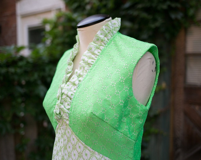 Vintage Bright Lime Green and White Maxi Dress with Ornate Lace Pattern / Mod 1960's Inspired / Vibrant Fluorescent with Ruffled Collar