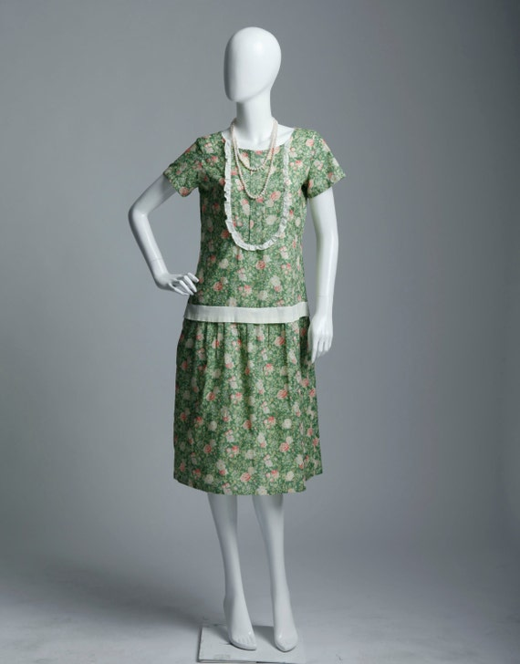 Cotton tea dress with rose print on green background 1920s flapper day dress Great Gatsby daywear cotton tea dress robe Downton Abbey $140.00 AT vintagedancer.com