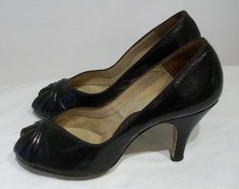Fab 1950s peep toe heels w/gathered vamps US 5 1/2 - 6  UK 3 1/2 - 4