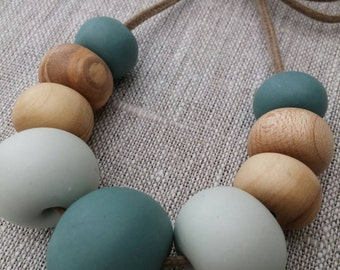 Clay and eco wood necklace | 9 bead marine
