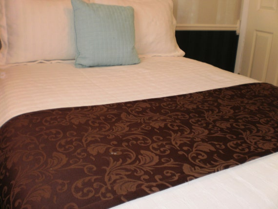 Chocolate Brown Jacquard Quilted Hotel Style Bed Scarf Runner