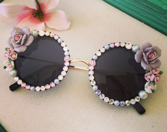 Gorgeous sunglasses with roses and crystals