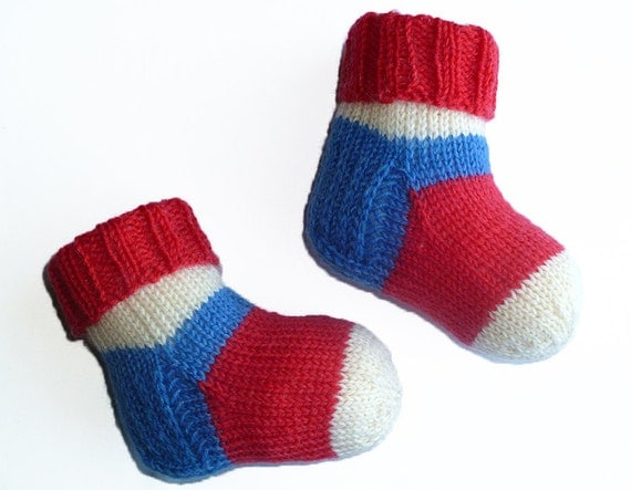 Keep tiny feet warm all through the chilly season with the SmartWool Baby Sock Sampler. These socks come in a two-pack, because SmartWool knows that laundry is a constant effort with little ones around.4/5(32).