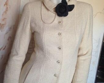 Suit Chanel Boutique