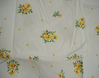 "Vintage Shabby Tablecloth and Napkins Yellow Floral on White Shabby Cottage Chic 36"" Square"