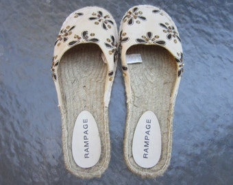 Rampage canvas flats size 9 with embroidered flowers and beads