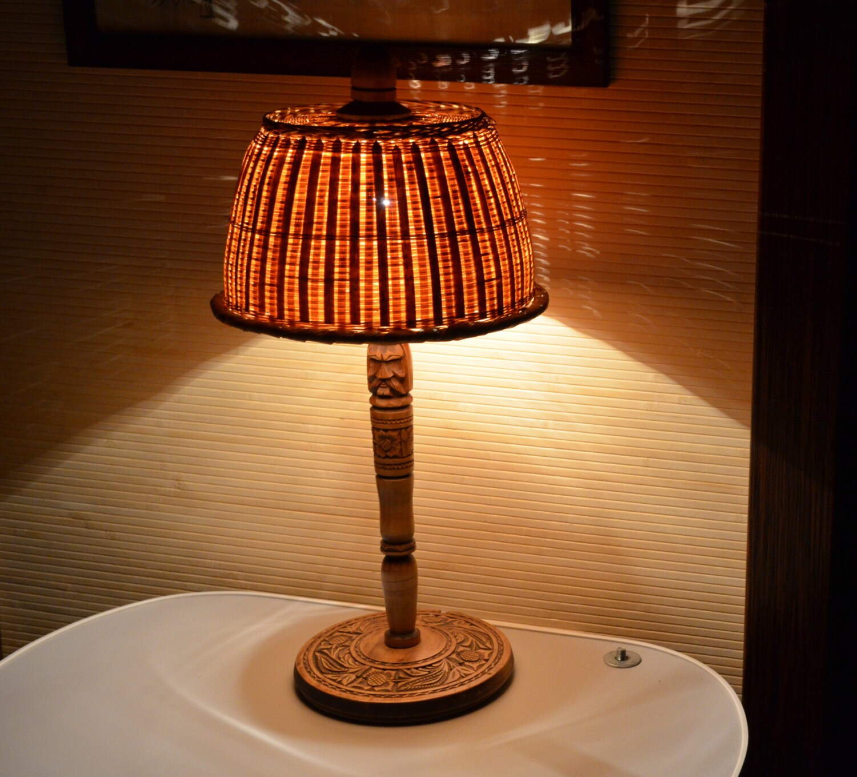 vintage table lamp wood lamp hand carved wood rustic wooden. Black Bedroom Furniture Sets. Home Design Ideas