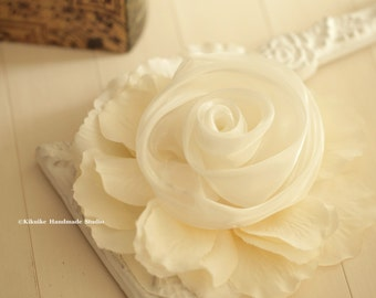 Party Hair Accessory,ivory Bridal Hair Flower,flower clip,ivory Flower Rose,ivory Wedding Hair Clip,ivory Flower Fascinator,ivory Hair Clip