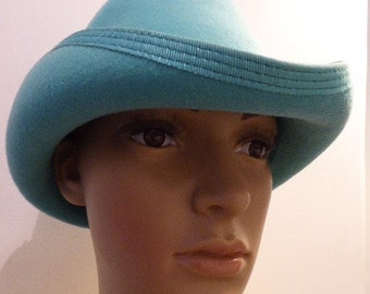 Vintage Turquoise Hat - Lovely!!
