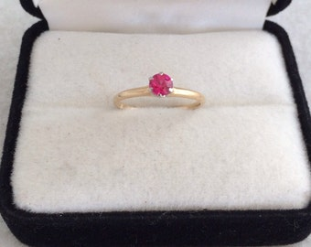 14K Solid Gold Ruby Ring Solitiare Brilliant Cut Gemstone Vintage Yellow Gold