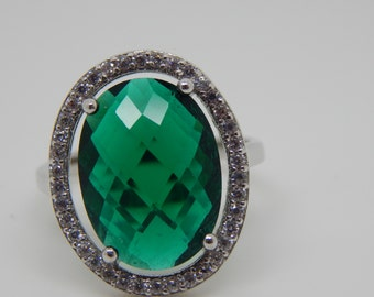 zirconia emerald Ring  , emerald ring  , sterling silver , ring  bridesmaid green ring  , green cz ring , green oval ring , size 8