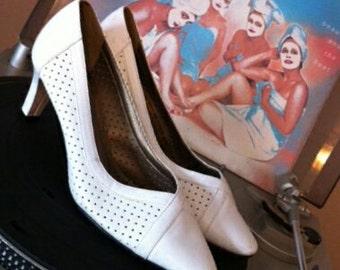 Vintage White Heels Size 7