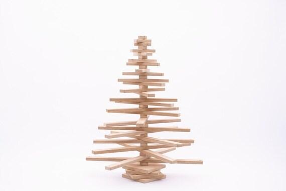 Uno due albero in legno albero di natale fatto in modo for Albero di natale di legno