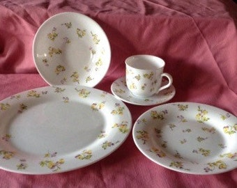 1990s Martha Stewart Living dinnerware MTW27 yellow pink pansies
