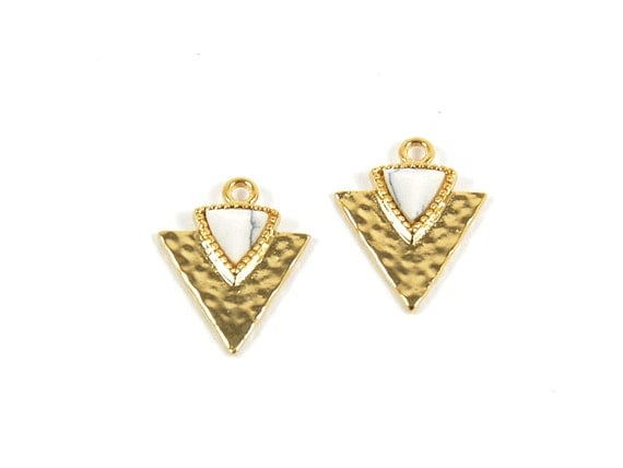 Howlite Gemstone Gemstone Triangle Charm/ Arrow Spear Pendant with White Marble in Anti-tarnish Gold Plating  - 2 pcs/ order