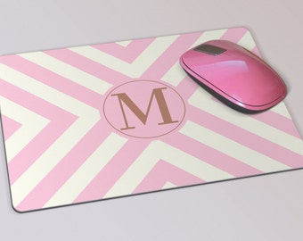 Fabric Mousepad, Mousemat, 5mm Black Rubber Base, 19 x 23 cm - Pink and Cream Chevron Pattern Monogrammed Mousepad Mousemat