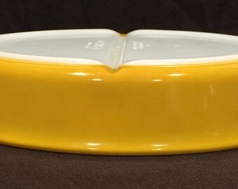 Vintage Pyrex Yellow Divided Dish - No Lid.