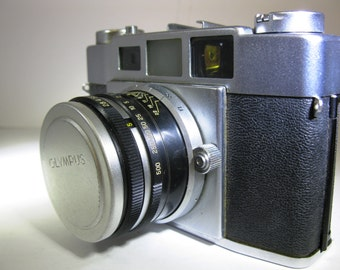 Vintage Olympus 3d-S II 35 mm Camera with E. Zuiko 48 mm f/2.8 lens, Lens Cap and Field Case