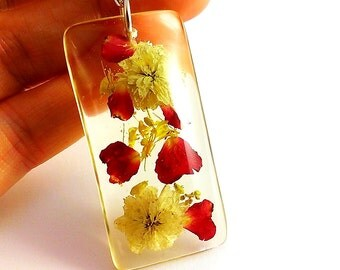 Resin flower pendant White red yellow flower necklace Terrarium pendant Flower jewelry Real pressed flowers Botanical jewelry