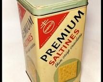 Vintage Nabisco Premium Saltines Tin /Canco Metal Tin/ Storage Tin / Tin Box / Best Gift Idea / Primitive Decor / Re-Gift Tin/F1658