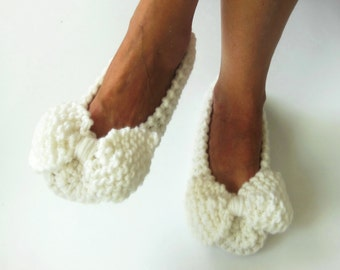 White Wedding Slippers, Women Slippers, Non-slip, Bow Slippers, Ballet flats, Bridal Slippers, Handmade slippers, Knitted slippers