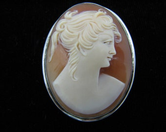 c511 Wonderful Vintage Carved Cameo Convertible Brooch/ Pendant in Sterling Silver