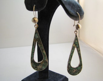 a269 Sterling Silver Tear Drop Dangle Earrings with Crushed Turquoise