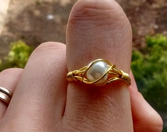 Simple and pretty wire ring