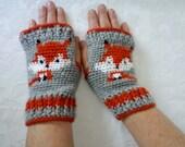 Cute crocheted foxy fingerless gloves by Liz