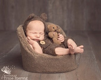 Baby bear ears knit brown bonnet, unique and cute hat for newborn, photo prop