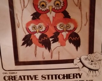 Mom and Baby Owl vintage creative stitchery, Owl Family by Vogart Crafts
