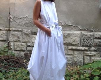 White Long dress / Kaftan dress / Maxi dress / Party Dress / Long Top/ Summer Dress/ Extravagant black  dress