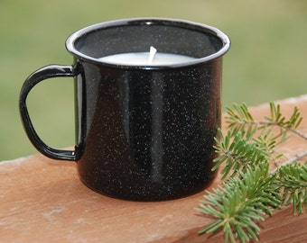 Camping mug with soy candle in pine cone scent