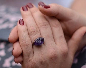 Raw stone ring 8 1/4 * Raw Amethyst crystal ring * Natural stone ring * Statement ring * Bohemian jewelry * Healing stone * Birthstone ring