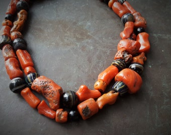 old kabyl / aures necklace with mediteranean coral