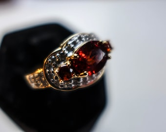Estate Vintage   -Solid-Gold-Ring-14KT-Size-8-Garnet and Diamond
