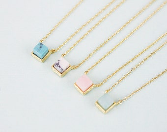 Gold Framed Multiful Marble Pendant Necklace Bridesmaid Gift Bridesmaid Necklace Dainty and Modern Necklace Birthday Gift