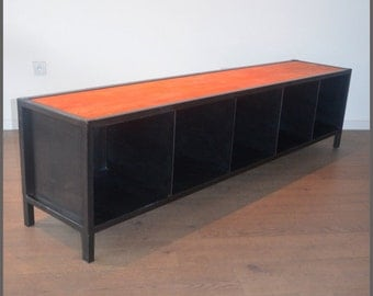 Industrial row TV unit in wood and metal