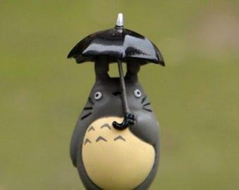My Neighbor Totoro holding umbrella Studio Ghibli Miniature Vinyl Figurine for miniature terrarium, pendant, charm, Fairy Garden DIY supply