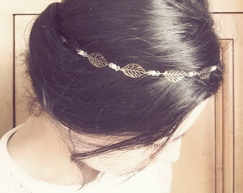 Headband / Jewels of head - leaves and white and transparent pearls