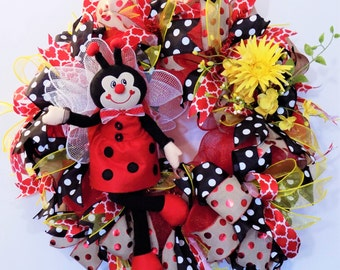 Ladybug Deco Mesh Wreath, Summer Floral Decoration, Whimsical Wreath, Everyday Wreath, Cheerful Door Decor, Wall Decor, Front Door Wreath,