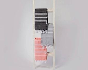 Rustic blanket ladder || pickling wash blanket ladder || rustic home decor || quilt ladder storage