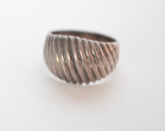 Vintage Sterling Silver 925 Scalloped Dome Ring Size 6.5