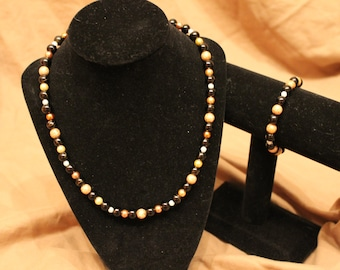 Black & Gold beaded necklace/bracelet pair