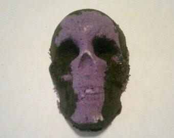 Two Tone Skull Bath Bomb / Halloween Bath Bombs / Bath Bomb Set / Skull Fizzies / Spooky Bath Bombs / Skull Bath Bomb Set / Bath Fizzies