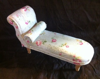 Dolls house 1/12th Chaise longue, daybed sofa