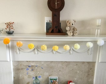 Pompom Garland in Yellow and White
