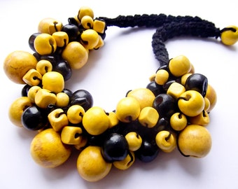 Crochet necklace with wooden beads-black and yellow